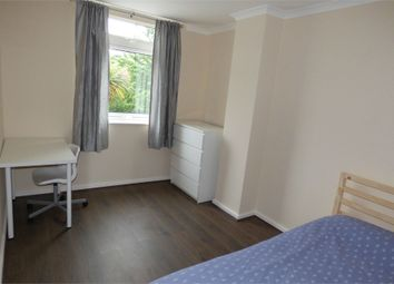 Thumbnail Room to rent in Gale Street, London