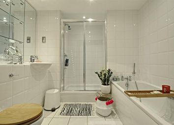 1 bed flat to rent in Point Wharf Lane, Brentford TW8