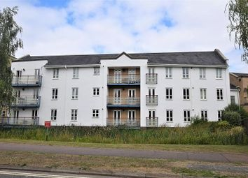 2 bed flat to rent in Parkland Place, Wren Way OX26