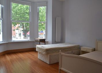Thumbnail 2 bed flat to rent in The Avenue, West Ealing, London.