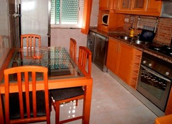 Thumbnail 2 bed apartment for sale in Portugal, Algarve, Portimão