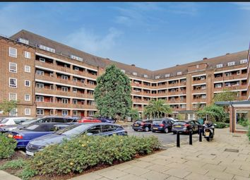 Thumbnail 3 bed flat for sale in Meadow Road, London