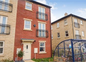 Thumbnail 2 bed town house for sale in Holts Crest Way, Leeds