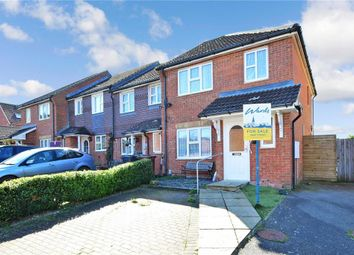 3 bed end terrace house for sale in Morris Close, Boughton Monchelsea, Maidstone, Kent ME17