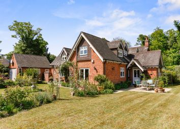 Thumbnail 5 bed detached house to rent in Henley Road, Maidenhead