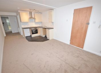 Thumbnail 2 bed flat to rent in Guildford Street, Luton