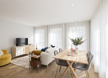 Thumbnail 2 bedroom flat for sale in Pike Crescent, Ashford