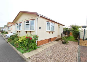 Thumbnail 2 bedroom mobile/park home for sale in Waterbeach Park, Waterbeach