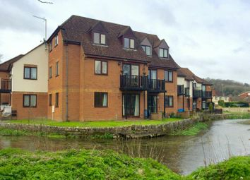 Thumbnail 3 bedroom flat for sale in Kingsmead Road, High Wycombe