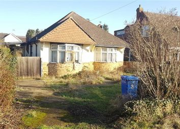 Thumbnail 3 bed property for sale in Fairfield Approach, Wraysbury, Berkshire