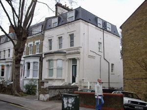 Thumbnail 3 bed flat to rent in Hillmarton Road, Caledonian Road