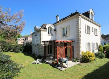 Thumbnail 6 bed villa for sale in Villennes Sur Seine, Villennes Sur Seine, France