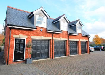 Thumbnail 1 bed flat to rent in Charlotte Mews, Henley-On-Thames
