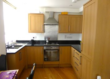 Thumbnail 2 bed flat to rent in South Lambeth Road, London