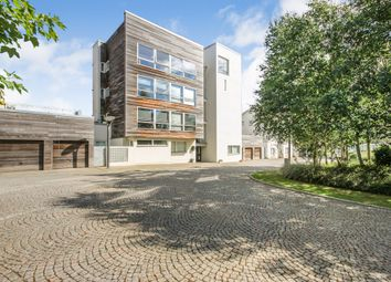 Thumbnail 2 bed flat for sale in Lanark Street, City Centre, Glasgow