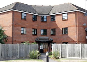 Thumbnail 2 bed flat to rent in Chertsey Road, Byfleet, Surrey