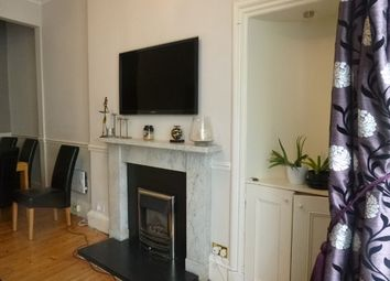 Thumbnail 2 bedroom flat to rent in Steel's Place, Edinburgh