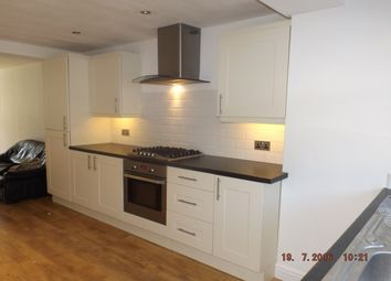 Thumbnail 1 bedroom flat to rent in Wharfedale, Hemel Hempstead