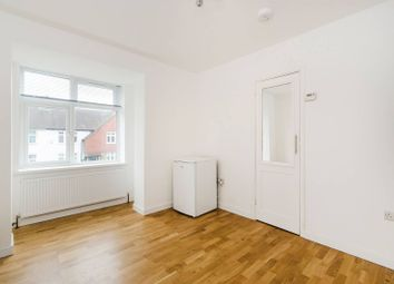 Thumbnail Studio to rent in Hawthorn Gardens, South Ealing