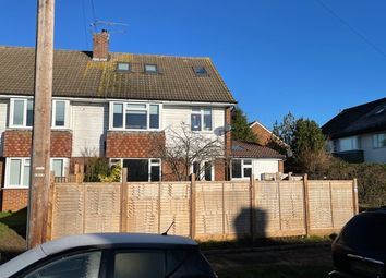 Thumbnail 2 bed flat to rent in Sandringham Road, Maidenhead