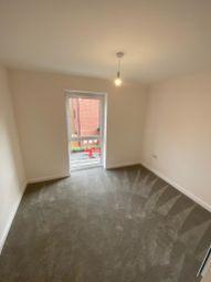 Thumbnail 2 bed flat to rent in Ark Avenue, Borehamwood, Hertfordshire