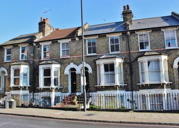 Thumbnail 1 bed flat to rent in Kenworthy Road, London