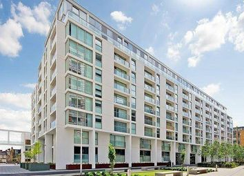 3 bed flat to rent in Larson Walk, Canary Wharf, London, United Kingdom E14