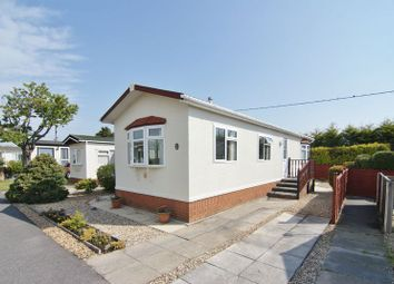 2 bed mobile/park home for sale in The Crescent, Greenfield Residential Park, Freckleton, Preston PR4
