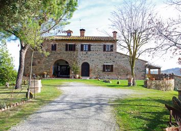 Thumbnail 11 bed country house for sale in Via di Bossona, Montepulciano, Siena, Tuscany, Italy