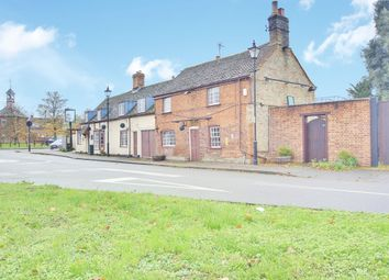 4 bed cottage for sale in High Street, Fenstanton, Huntingdon PE28