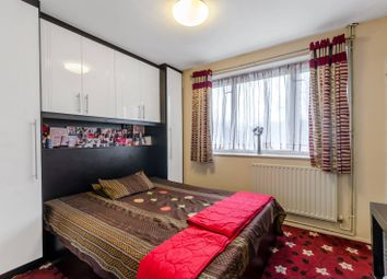 Thumbnail 2 bed flat for sale in Beverley Road, Barnes