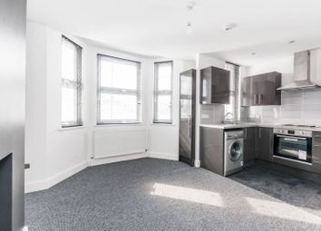 Thumbnail 4 bed flat to rent in Buckingham Road, Muswell Hill