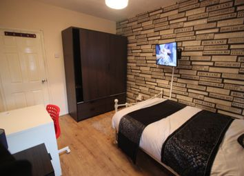 Thumbnail Room to rent in Shillingford House, Talwin Street, Bromley By Bow