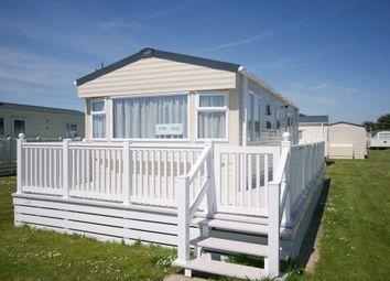 2 bed mobile/park home for sale in Hoburne Caravan Park, Hoburne Lane, Highcliffe, Christchurch BH23