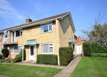 Montague Place, Fairfields, Basingstoke RG21. 2 bed maisonette