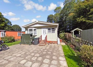 Harvel Road, Meopham, Kent DA13. 2 bed mobile/park home