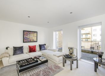 Thumbnail 4 bed town house to rent in Emerald Square, London