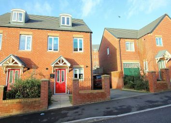 Thumbnail 3 bedroom town house for sale in Hexagon Close, Manchester