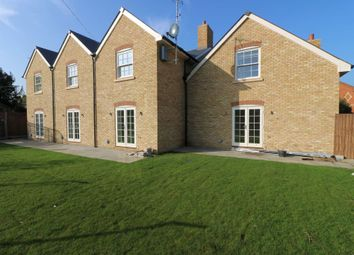 Thumbnail 1 bedroom flat to rent in Rusham Road, Egham