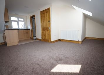 Thumbnail 1 bedroom flat to rent in Mortlake Road, Ilford