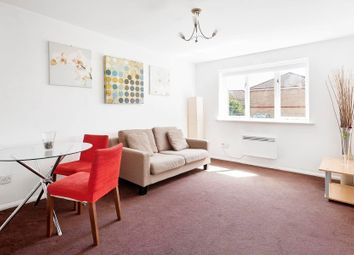 Thumbnail 1 bed flat to rent in Telegraph Place, Canary Wharf