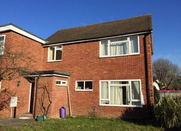 5 bed property to rent in Spring Rise, Egham, Surrey TW20