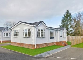 2 bed mobile/park home for sale in Sheriff Hutton Road, Strensall, York YO32