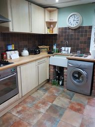 Thumbnail 1 bed flat to rent in The Avenue, Roundhay, Leeds