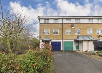 3 bed semi-detached house to rent in Turle Road, London SW16
