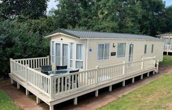 2 bed mobile/park home for sale in Grange Court, Grange Road, Goodrington, Paignton, Devon TQ4