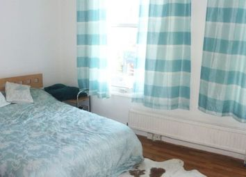 Thumbnail Studio to rent in The Crest, Brecknock Road, London