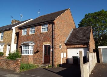 Thumbnail 4 bed detached house to rent in Tufton Road, Ashford
