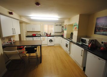 6 bed terraced house to rent in 43 Mayville Avenue, Hyde Park LS6
