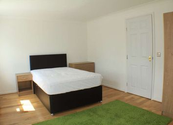 Thumbnail Room to rent in Winter Gardens Way, Hanwell Fields, Banbury